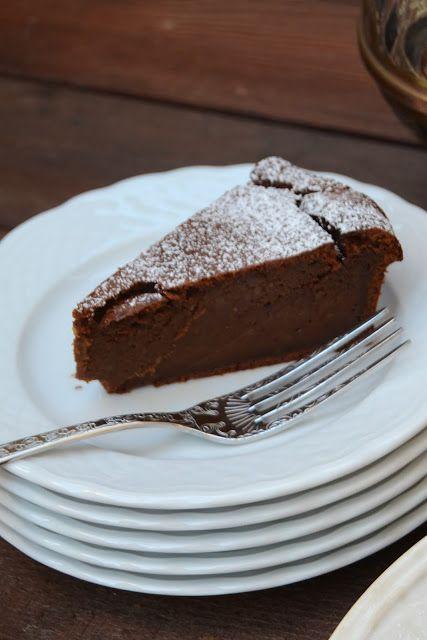 Bolo de Chocolate e Batata-Doce (sem glúten) Receita: http://arcoirisnacozinha.blogspot.pt/2017/01/bolo-de-chocolate-e-batata-doce-sem.html