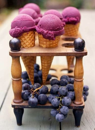 Food Photography: Berry Ice Cream in a Waffle Cone // Ice Cream, Waffle Cone, Berries, Blueberries, Test Tube Rack for Ice Cream, Summer Picnic, Summer BBQ, Food with Friends