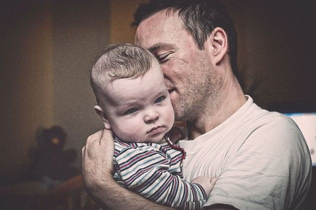 "Becoming A Father Can ""Rewire"" A Man's Brain .&. It's a 'GOOD THING' Guys !!! 