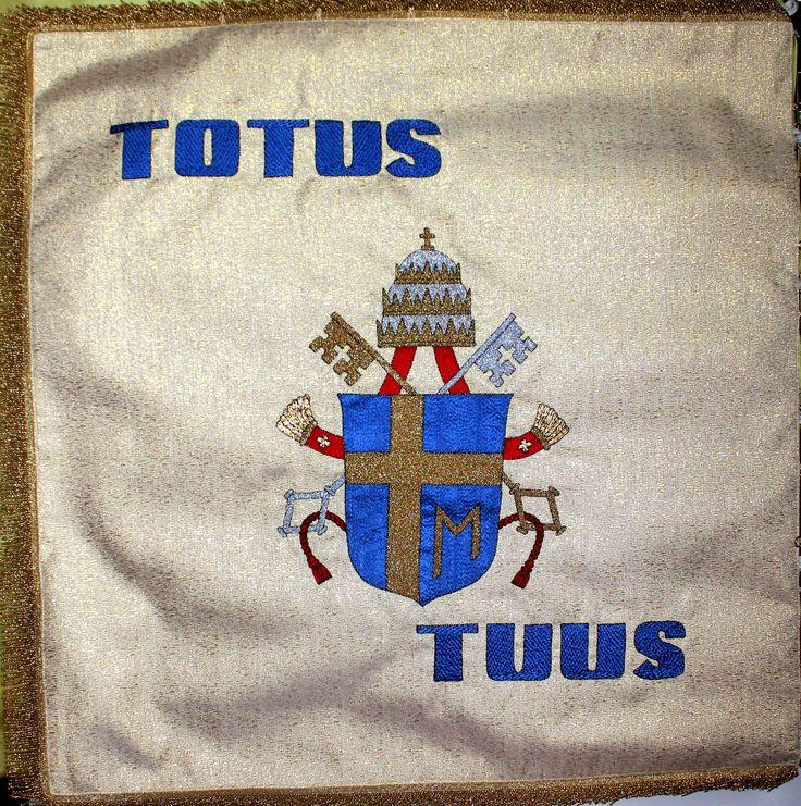 Sztandar z herbem papieskim