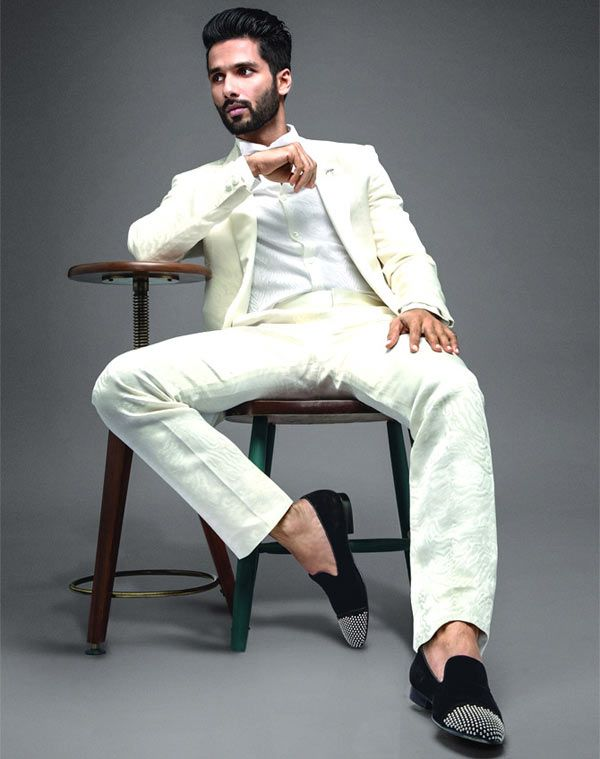 I have shot with him for 25 days and I know the only way to work with him is to up your game. #ShahidKapoor  http://www.glamoursaga.com/shahid-kapoor-says-the-only-way-to-work-with-padmavati-director-sanjay-leela-bhansali-is-to-up-your-game/