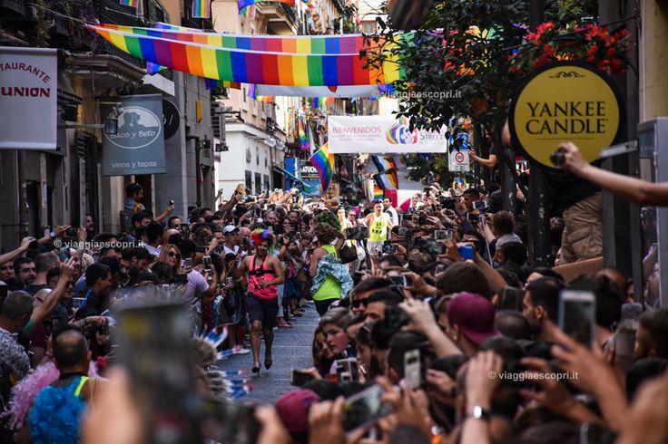 Corsa sui tacchi in Calle Pelayo, viaggi gay a Madrid #WorldPrideMadrid #WorldPride2017 #Orgullo2017 #gaytravel #rainbowRTW