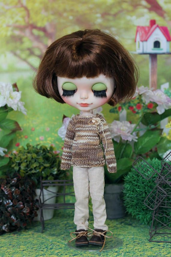 Handknitted  sweater and pants for Neo Blythe Azone pure