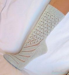 Как связать красивые носки спицами Описание вязание носков спицами Для увеличения картинки нажмите на нее ...