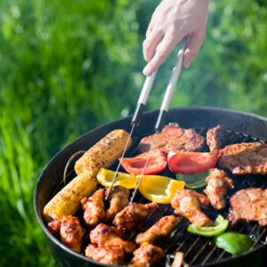 Want to throw the perfect backyard party? Here's the stuff you'll need to do it: http://www.readersdigest.ca/food/bbq/grill-baby-grill