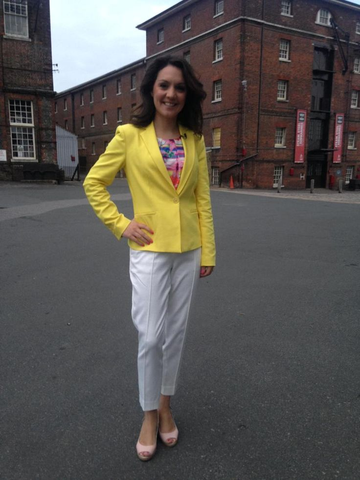 @,GMB @Lauratobin1 in @zaraclothes @mandco_pr top @Primark trousers @Dune_London wedges!