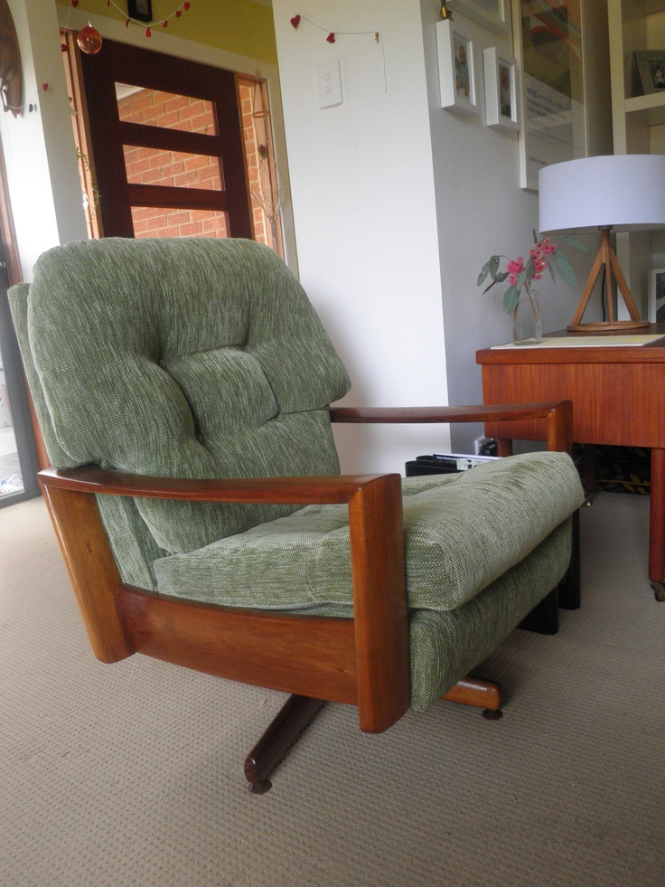 Australian 1960's Fler swivel Armchair.