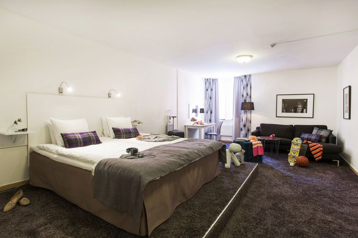 90% of our hotel rooms are now renovated and finnished! from single roombeds to three beds deluxe rooms for private and buisness.