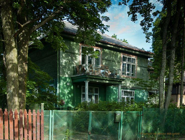 MELTING POT OF CULTURES / NA STYKU KULTUR: Wooden villas in Zwierzyniec/ Drewniane wille na Z...