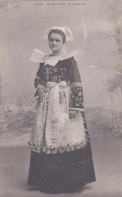 French folk-dress from Brittany, antique postcard