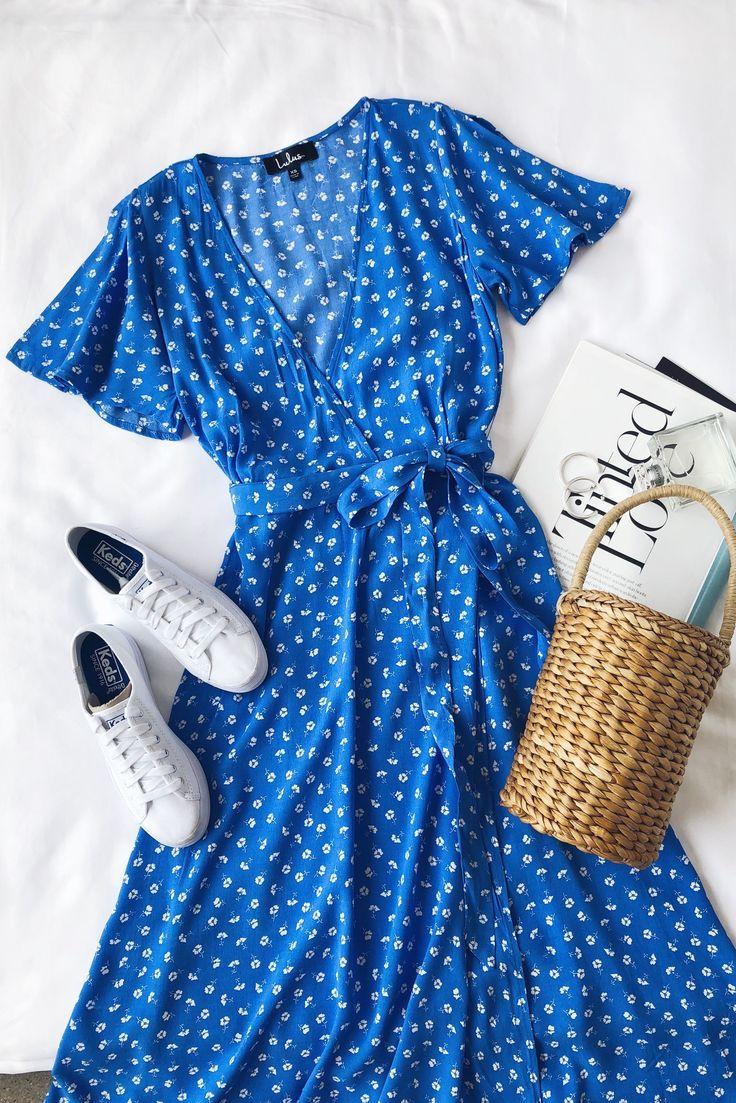 Maretta – Blaues und weißes Midikleid mit Blumendruck