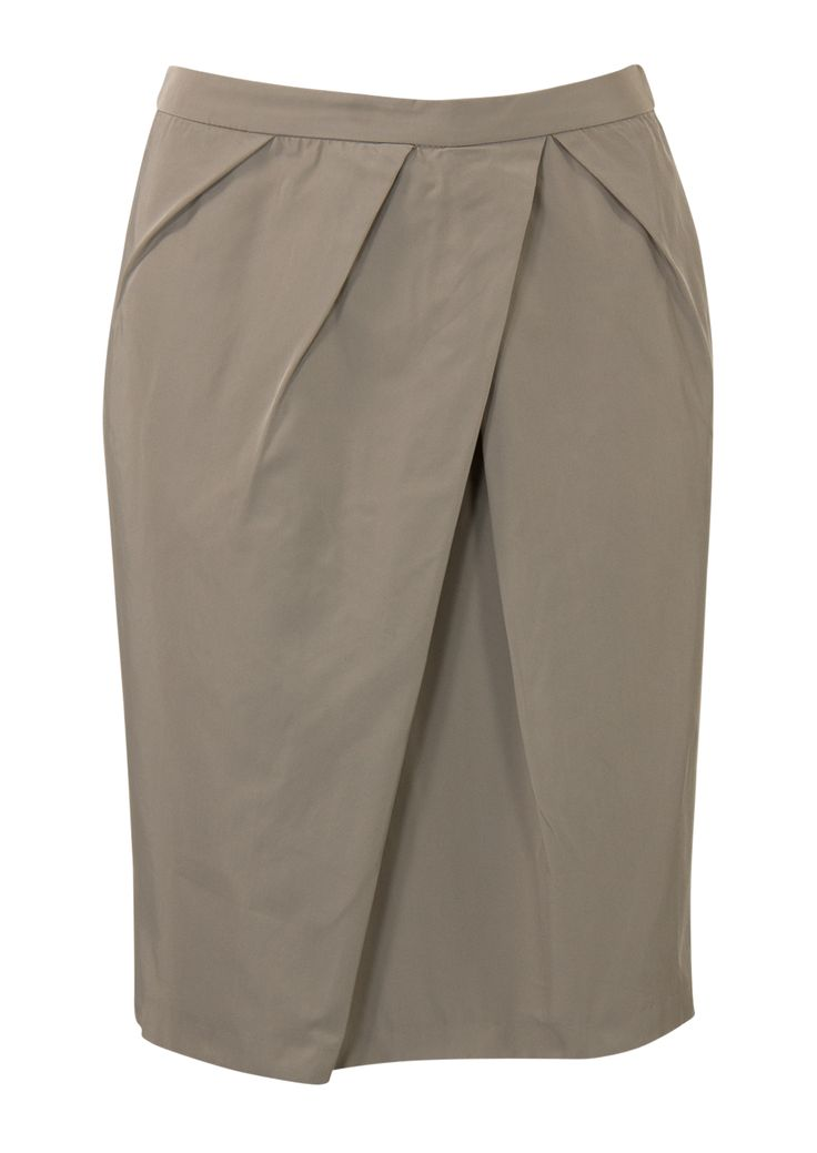 """<span lang=""""N"""">Grijs/beigerok. Het is een aansluitend model gemaakt van soepele stof. De rok is verrijkt met plooitjes op het voorpand en heeft een splitje aan de achterkant. Het model is gevoerd en sluit met een achterrits. Knielengte. Lengte in maat 38/M: 54 cm.</span><br /> <br />"""