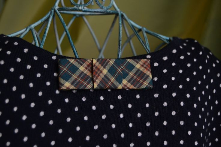bow brooch, tartan