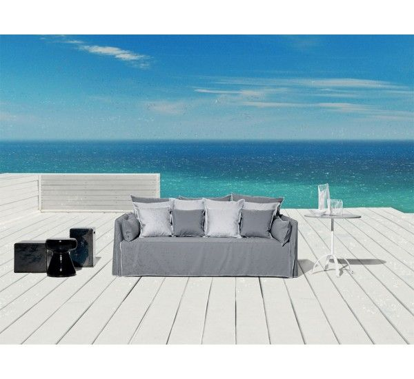 Ghost Out 16 is an outdoor sofa, produced by Gervasoni.
