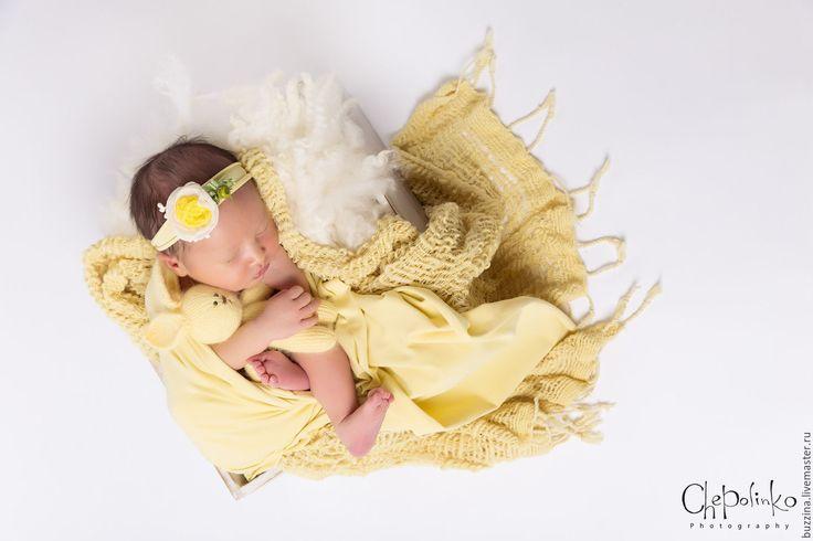Купить Повязочка на голову для девочки с красивым цветком желтая - реквизит, реквизит для фотосессии, фотореквизит