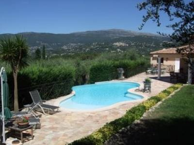 Beautiful Valbonne villa with pool, jacuzzi, landscaped gardens and fantastic views: