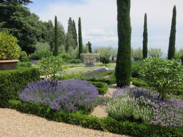 Best 25 Italian garden ideas on Pinterest Italian patio