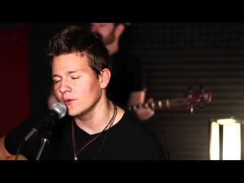 You Da One - Rihanna - Cover by Tyler Ward - Official Acoustic Cover Music Video ....... Kinda love him