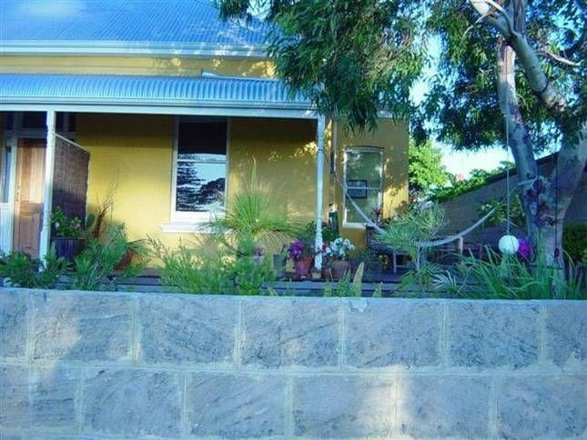 Sunshine Beachfront Cottage | Fremantle, WA | Accommodation