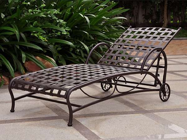 Santa Fe Chaise Lounge - Brown delivered for only $195.95