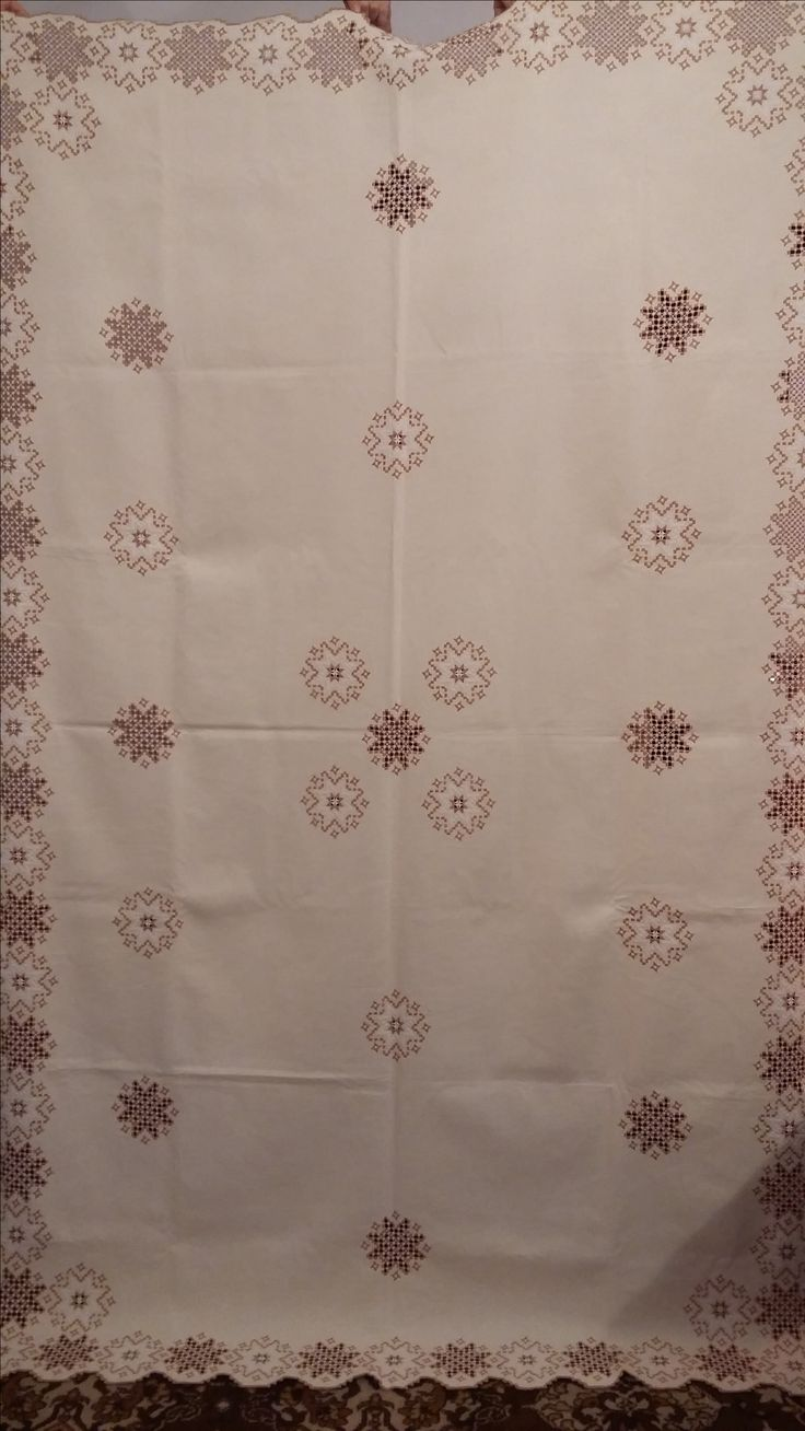 Beutiful tablecloth