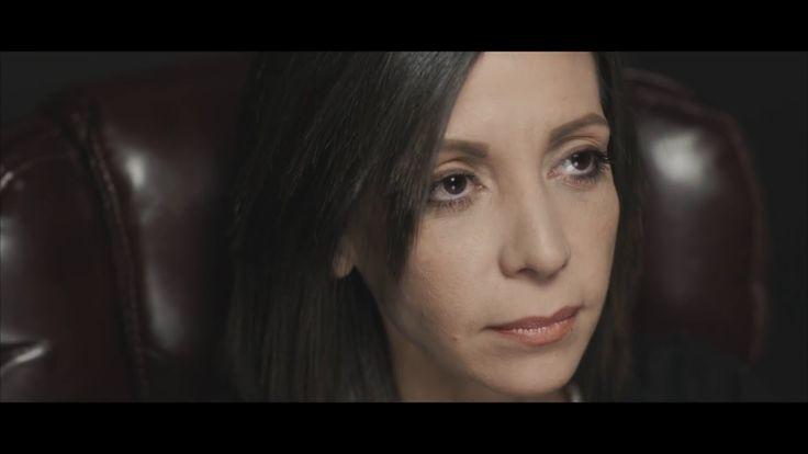 SALDRAS DE ESTA - REDIMI2 feat Lucia Parker y Rene Gonzalez (Video Ofici...