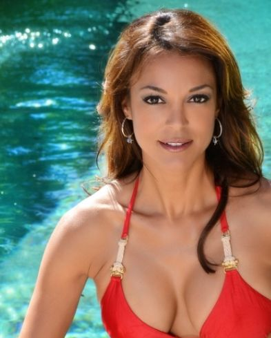 Eva LaRue Nude Photos 18