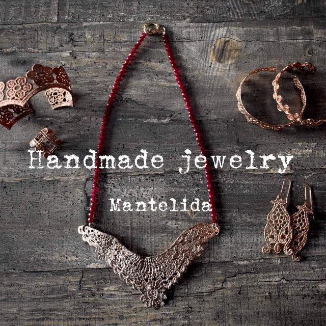 Handmade jewelry from Mantelida
