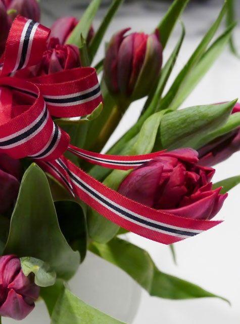 5a049ef1 17. mai-blomster i norske farger | 17. mai-inspirasjon i 2019 ...