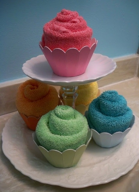 video how to for making a washcloth into a cupcake :)