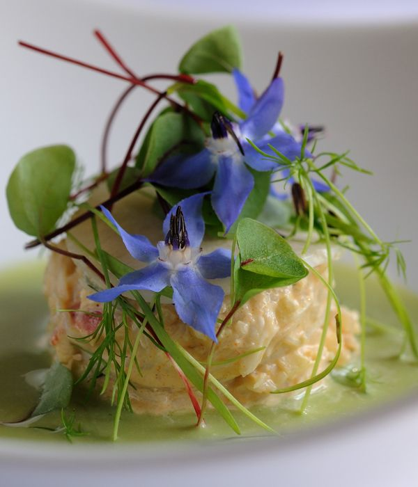 This surprisingly easy gazpacho recipe from Michelin star winning chef Matthew Tomkinson is the taste of British summer in a bowl. Delicate cucumber combined with horseradish, apple and crab will transport you to a balmy day by the sea in an instant. This is a delightful seafood recipe to prepare for your next garden party.