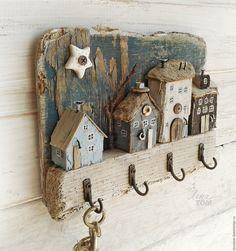 Картинки по запросу ключница миниатюра
