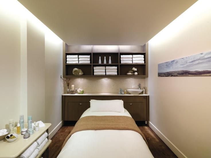 Superbe Sleek U0026 Simple, Yet Cozy Facial Room