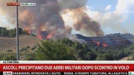 Gli aerei stavano svolgendo attività di addestramento sorvolando i Monti della Laga, a una trentina di chilometri da Ascoli Piceno. Le cause