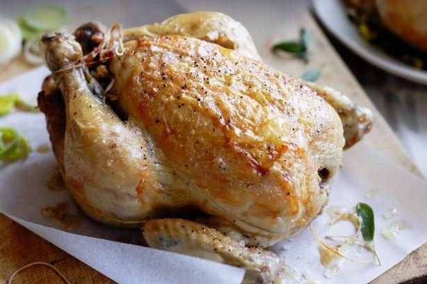 Κοτόπουλο+ψητό,+γεμιστό+με+χοιρινή+πανσέτα,+μανιτάρια+και+πράσα