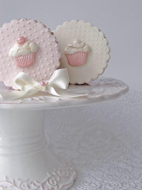 cupcake cupcakes :) by Cakes by Tessa, via Flickr
