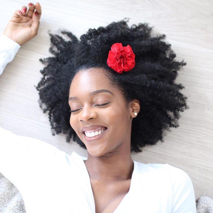 - Fiona Kolade (@itsfinallyfiona) on Instagram: afro hair. Kinky hair. Natural hair. Pretty hair. Beautiful hair. Black hair care. Black women. Natural beauty. Texture. Afro-textured hair. Smile.