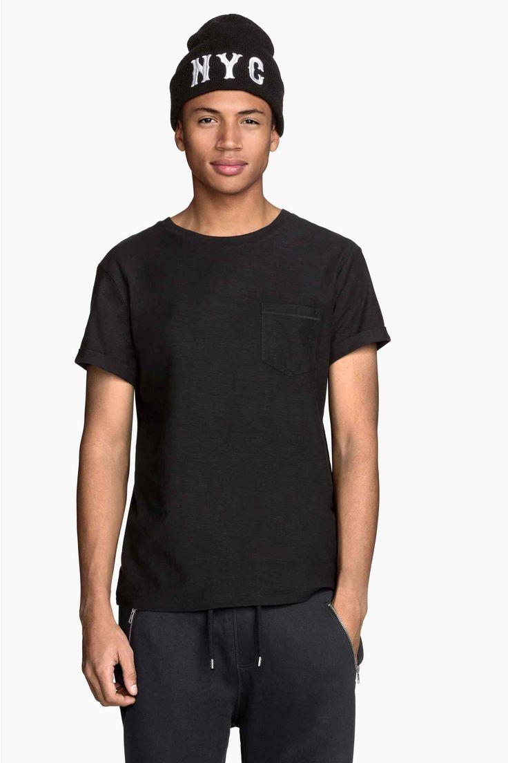 Camiseta con bolsillo superior   H&M