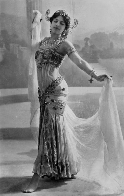 Dutch exotic dancer Mata Hari, was accused of spying for Germany in World War I and was executed by a firing squad in France (1917).