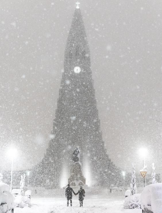 Η Ισλανδία μόλις έσπασε το ρεκόρ χιονόπτωσης και οι φωτογραφίες είναι εκθαμβωτικές - Τι λες τώρα;