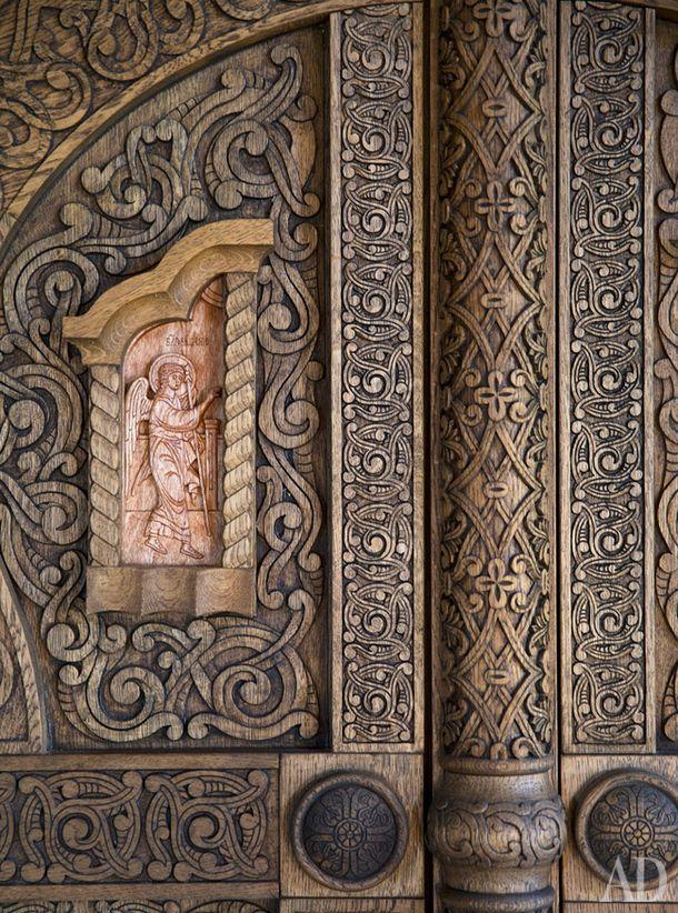 Деталь интерьера деревяннойцеркви Воскресения на горе Левитана.