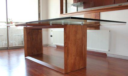 Mesa comedor 10 personas base madera lingue cubierta for Comedores de madera con cristal