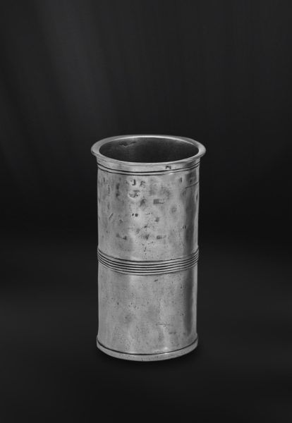 Pewter Measuring Beaker - Capacity: 5 cl - Diameter: 3,5 cm (1,4″) - Height: 6 cm (2,4″) - Food Safe Product - #pewter #measuring #beaker #peltro #misurino #zinn #messbecher #étain #etain #bécher #mesure #vase #peltre #tinn #олово #оловянный #drinkware #barware #tableware #dinnerware #table #accessories #decor #design #bottega #peltro #GT #italian #handmade #made #italy #artisans #craftsmanship #craftsman #primitive