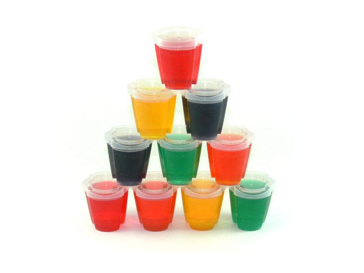 500 EZ-Squeeze™ Jello Shot Cups with LIDS - if you're gonna make the shots you need to get them out...easily