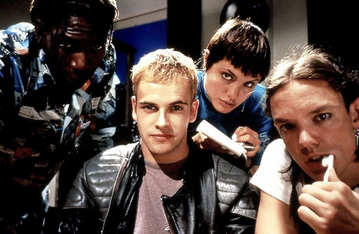 Laurence Mason as Lord Nikon, Jonny Lee Miller as Crash Override, Angelina Jolie as Acid Burn & Matthew Lillard Cereal Killer in #Hackers