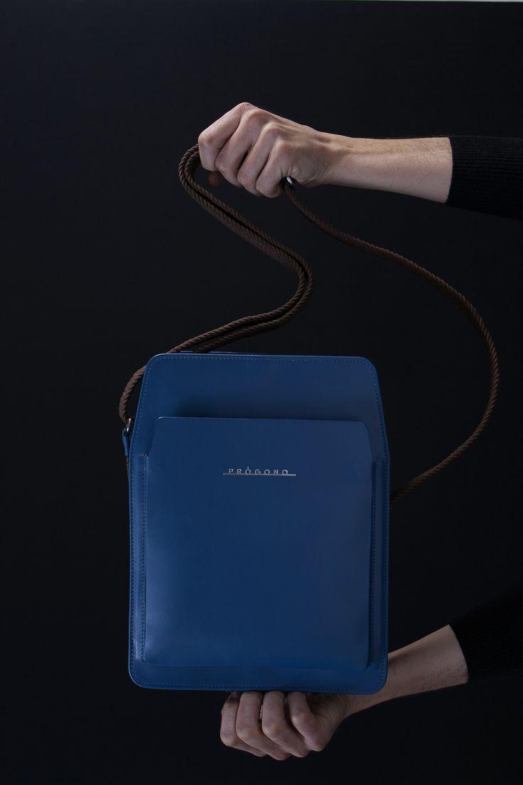 Itamaraty messenger bag. Petrol Blue. Planalto collection  www.progono.com