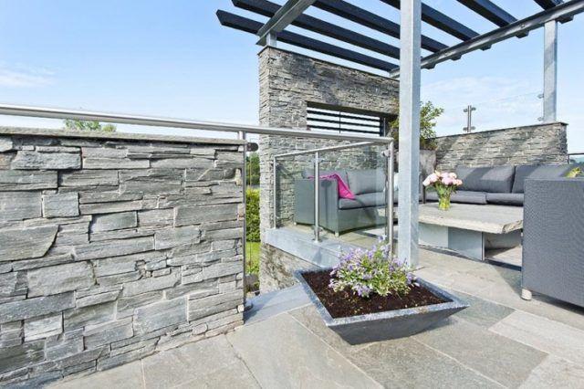 pierre de parement exterieur -grise-terrasse-moderne-pergola-salon-jardin-gris