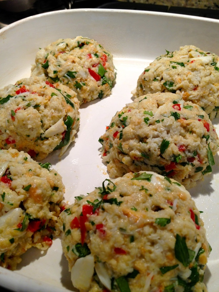 Healthy baked crab cakes with red pepper chipotle lime