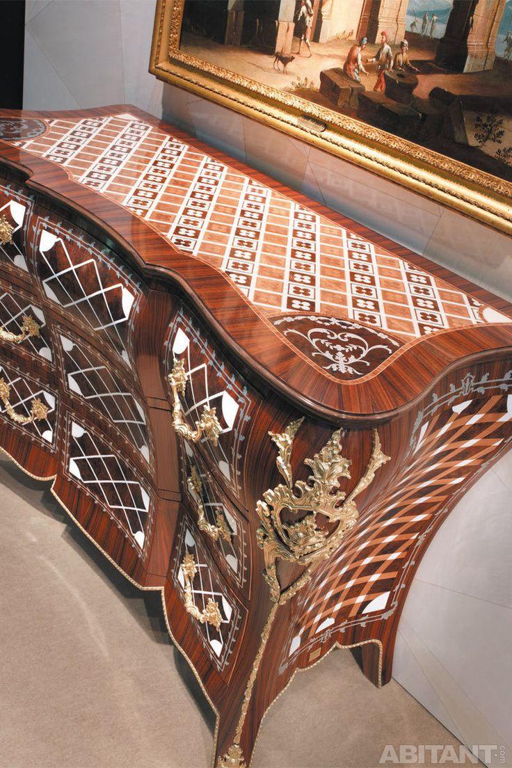 Мебель с декоративной отделкой