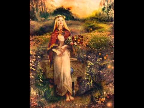 Lisa Thiel - Samhain song. A most beautiful song for the most sacred of nights!